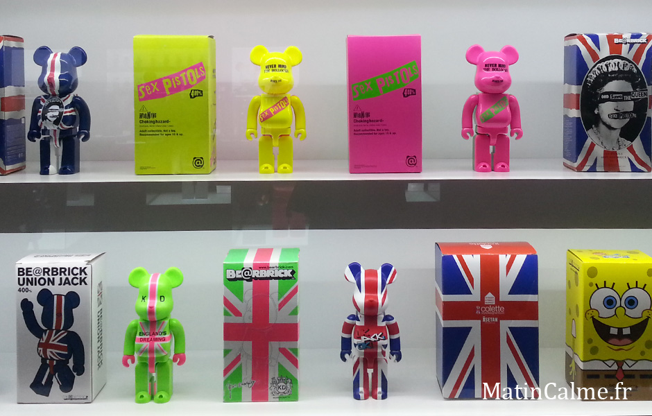 Le groupe Punk  Sex Pistols et plus généralement l'Angleterre ont la côte chez les Bearbricks. God Save the Queen of the BearBrick